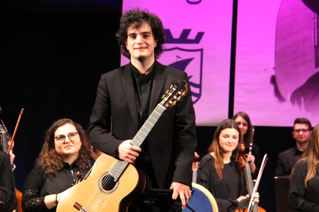 joaquim dos santos simÖes ganador 33 certamen internacional de guitarra clasica andres segovia la herradura 2018