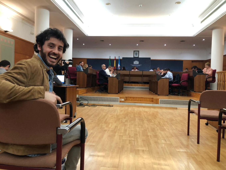 JAVIER PEREIRA EN EL SALÓN DE PLENOS DEL AYTO DE MOTRIL DURANTE LA SESIÓN DE HOY